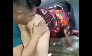 Brincando de fuder com a filha da vizinha